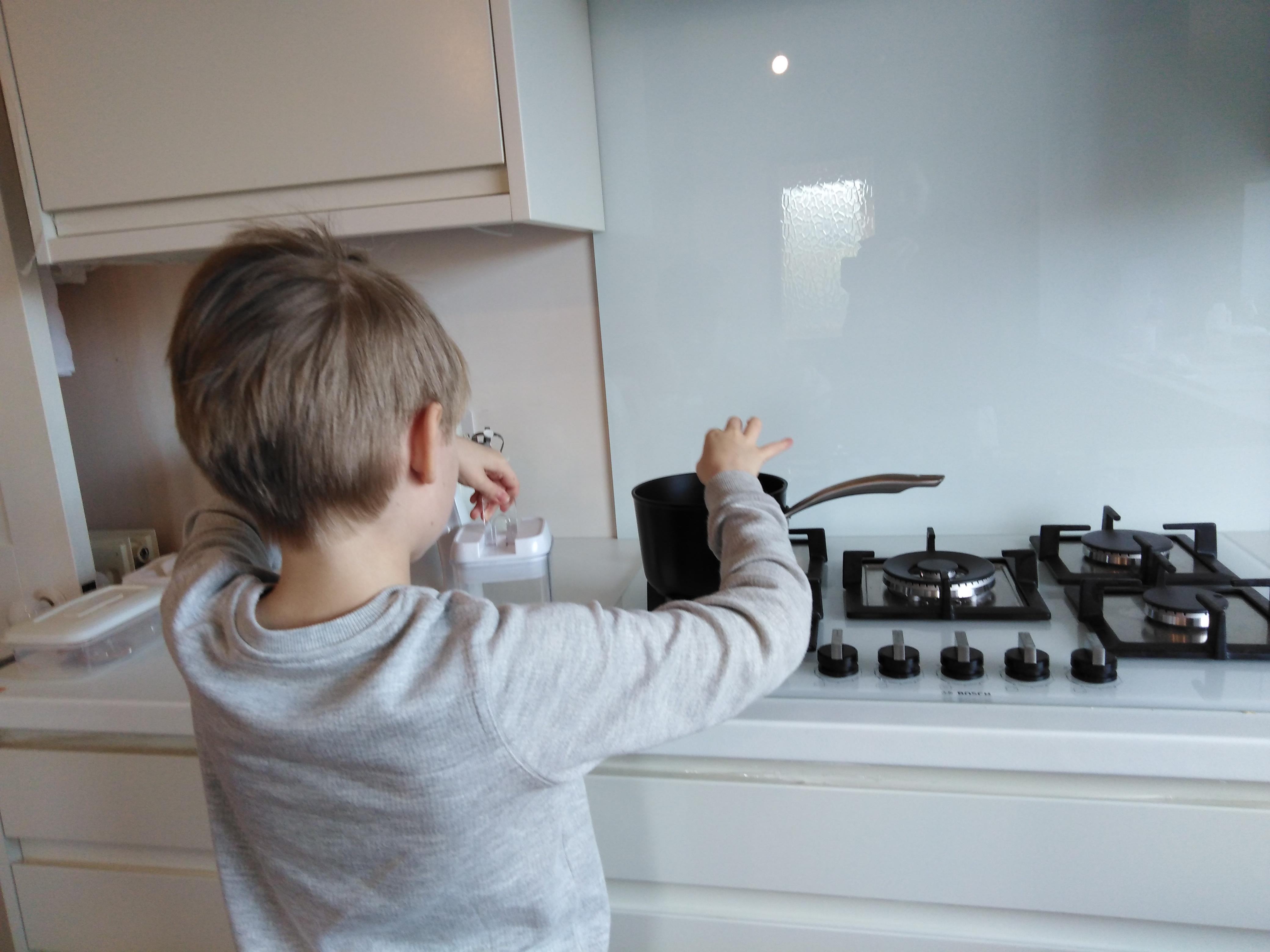 Luca Cooking